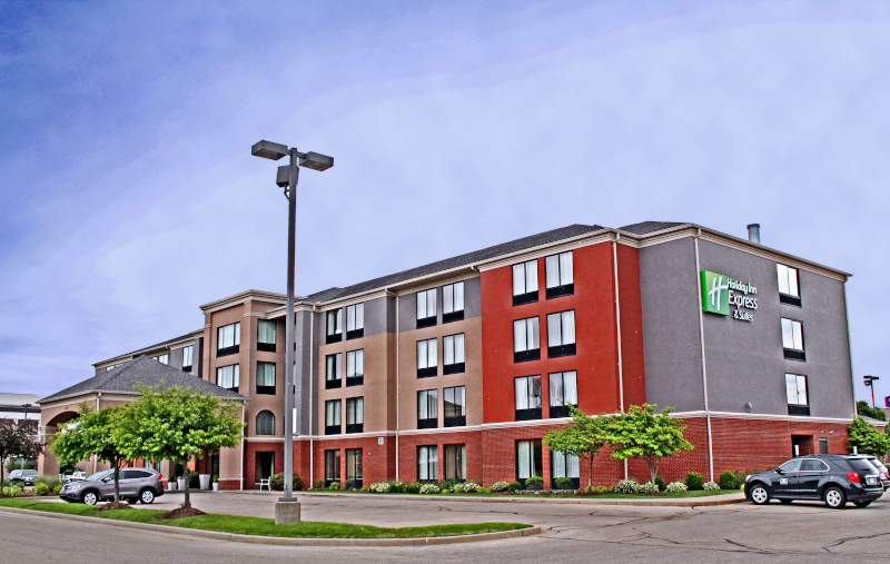 Holiday Inn exterior photo